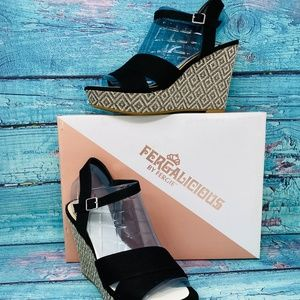 Fergie Women's Mollie Wedge Sandal Black Shoe 9 M
